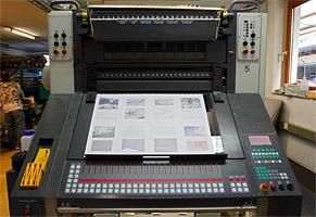 Bedienfeld unserer MAN-Roland Druckmaschine