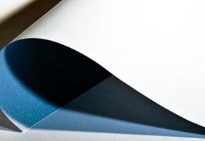 Affichenpapier mit typisch blauer Rückseite